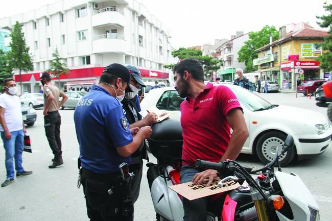 Polis maske denetimi yaptı, ceza kesti