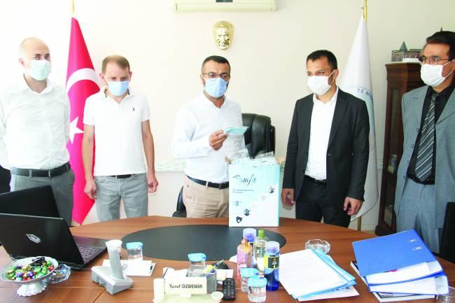 Beyşehir İYİ Parti'den sağlıkçılara maske desteği