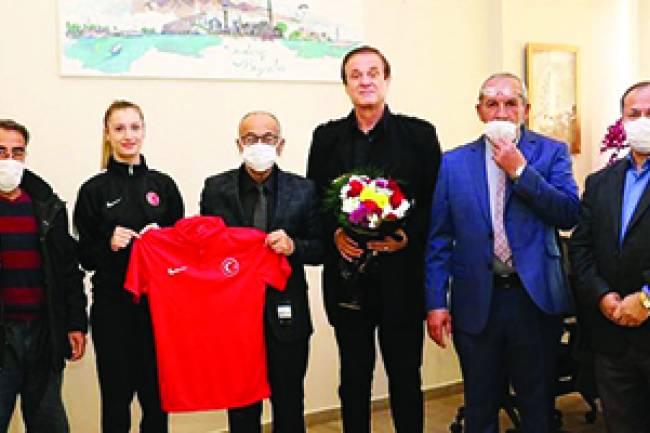 Şampiyon Ağrıs'tan Başkan Bayındır'a Ziyaret