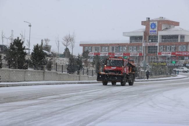 Belediye Kar Yağışına Karşı Teyakkuzda