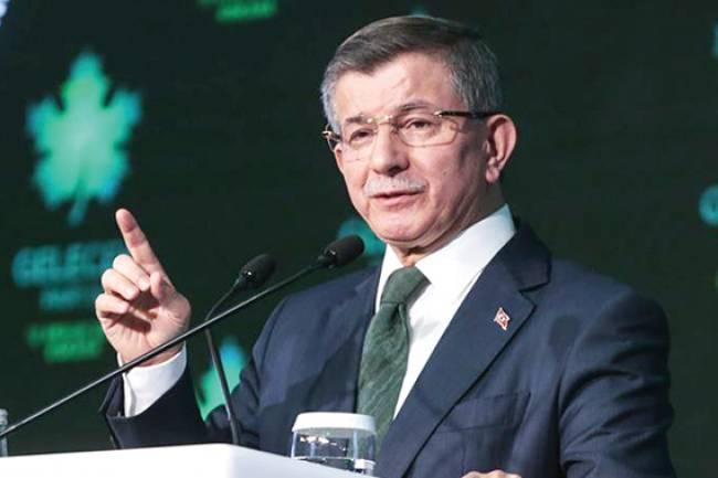 Beyşehir'de konuşan Gelecek Partisi Genel Başkanı Ahmet Davutoğlu: 'Yakınlarımızı, Damadımızı Bakan yapmadık.'