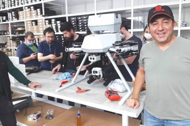 Türkiye'nin ilk milli bomba atarlı dronu Huğlu'da Akdaş Silahda üretildi
