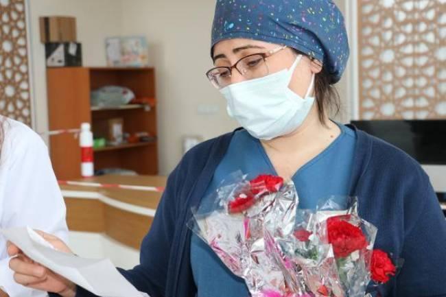 Sağlık Çalışanlarına İşaret Dili İle Teşekkür Ettiler