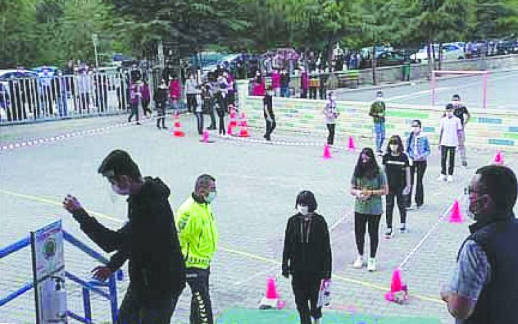 Beyşehir'de LGS'ye 8. Sınıf öğrencisi bin 557 öğrenci sınava girdi