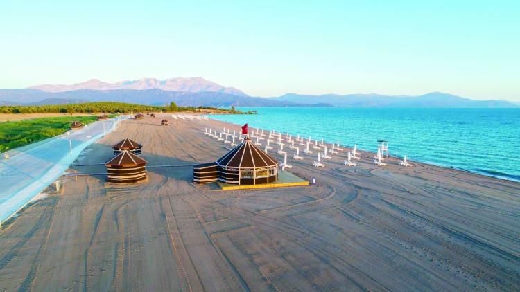 Karaburun Plajı Hizmete Açıldı