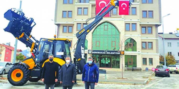 Çevre ve Şehircilik Bakanlığı'ndan Derebucak Belediyesine iş makinesi desteği