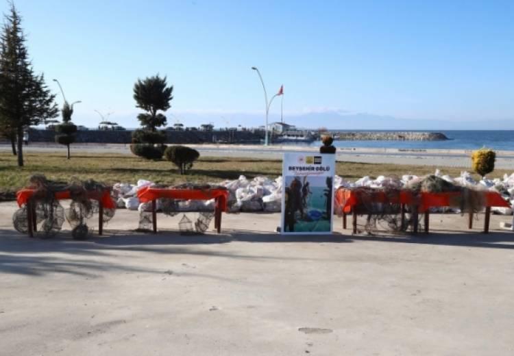 Beyşehir Gölü'nü temizleme işlemi başladı