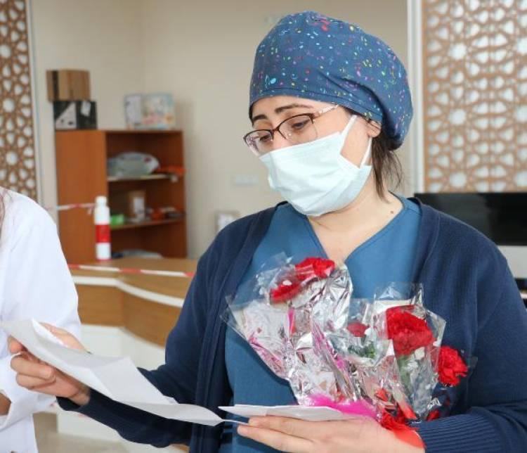 Öğrencilerden, sağlıkcılara anlamlı mektup