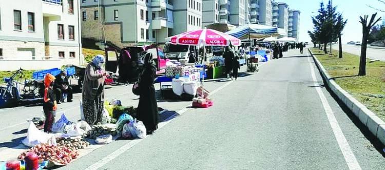 TOKİ Avşar Mahallesine semt pazarı açıldı